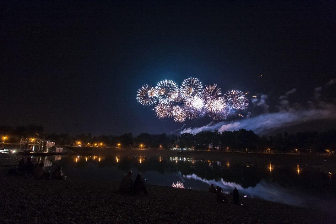 fireworks underexposed